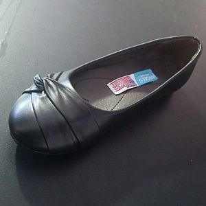 Other - Flats for girls